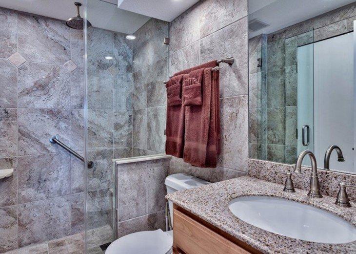 Granite/Tile/Walk In Shower