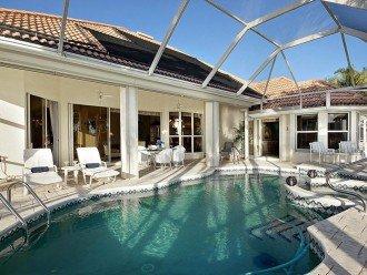 Heated pool, jacuzzi, lanai/patio