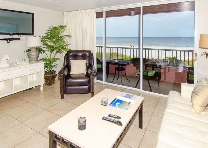 WOW!Beach Front,Awesome sunsets,Pet Friendly,Newly Remodeled North End #12