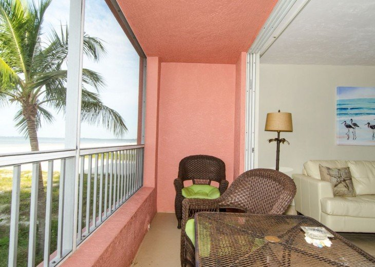 WOW!Beach Front,Awesome sunsets,Pet Friendly,Newly Remodeled North End #24