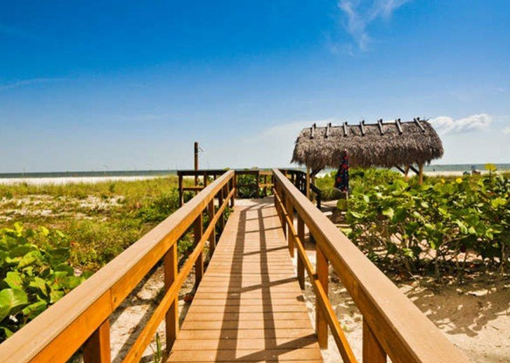 WOW!Beach Front,Awesome sunsets,Pet Friendly,Newly Remodeled North End #19
