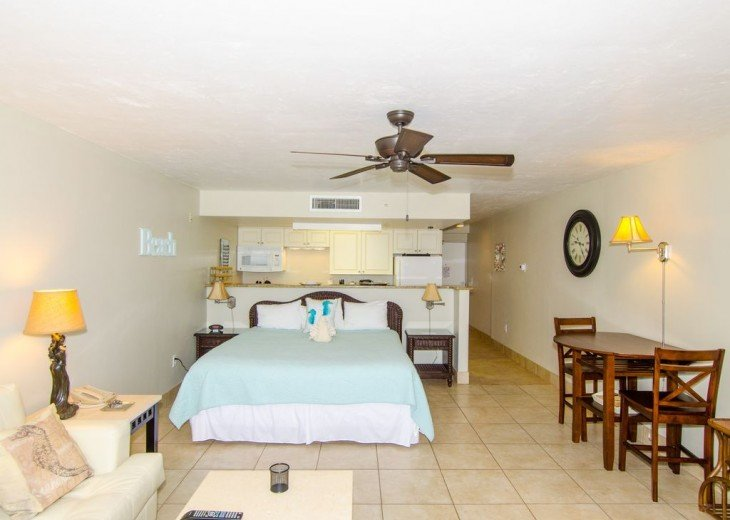 WOW!Beach Front,Awesome sunsets,Pet Friendly,Newly Remodeled North End #10