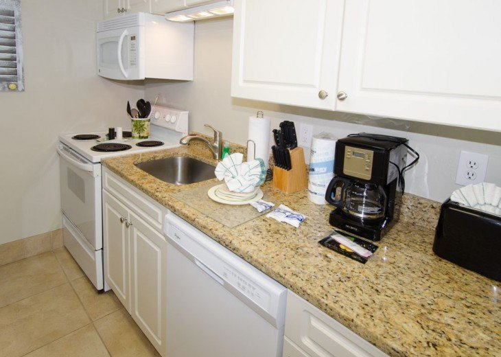 WOW!Beach Front,Awesome sunsets,Pet Friendly,Newly Remodeled North End #8