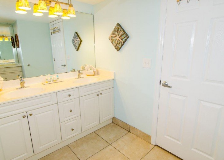 WOW!Beach Front,Awesome sunsets,Pet Friendly,Newly Remodeled North End #17