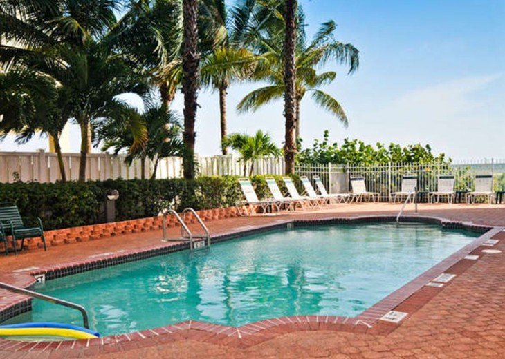 WOW!Beach Front,Awesome sunsets,Pet Friendly,Newly Remodeled North End #5