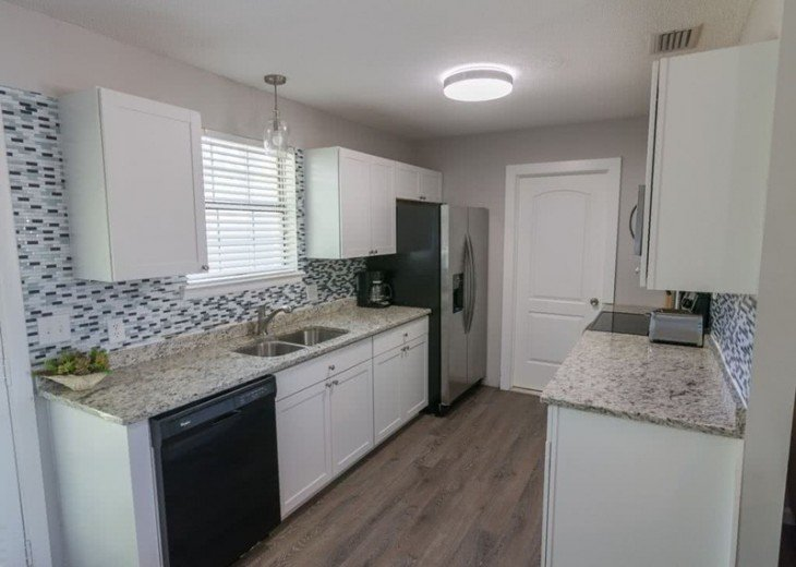 4 bed 2 bath private pool 2 blocks to the beach! #11