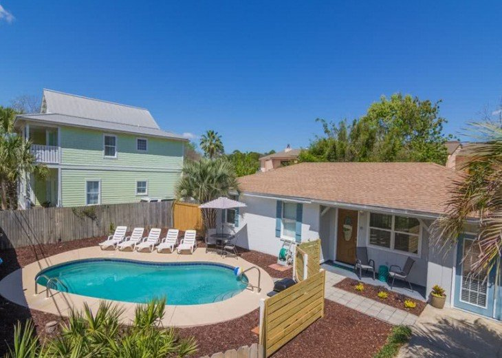4 bed 2 bath private pool 2 blocks to the beach! #6