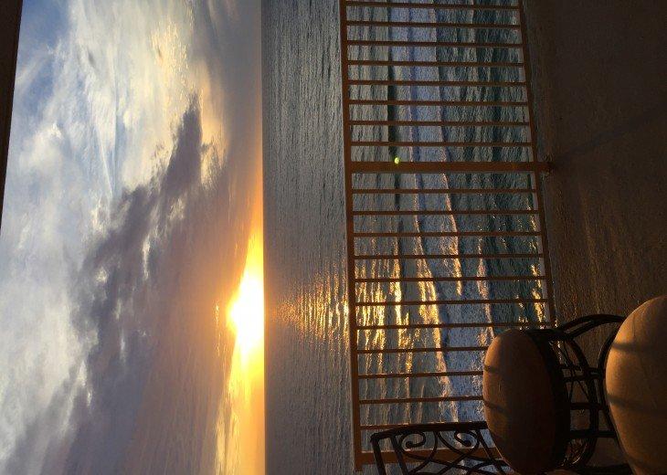 Beachfront Designer Condo Treasure Island Resort PCB 1105 #32