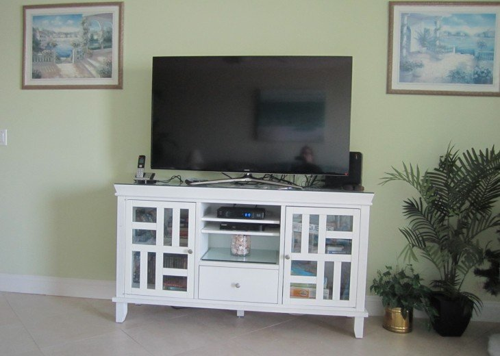 "Entertainment unit with 50"" tv"