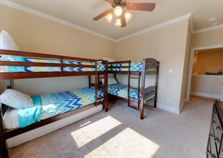 Bunk room, Sleeps 5