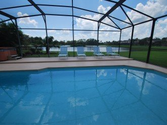 Disney area, Lake view south facing pool 7 bedroom 4 and half bath, 3 king bed #1