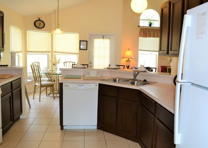 Affordable 4 Bedroom Southfacing Pool Vacation Home #10