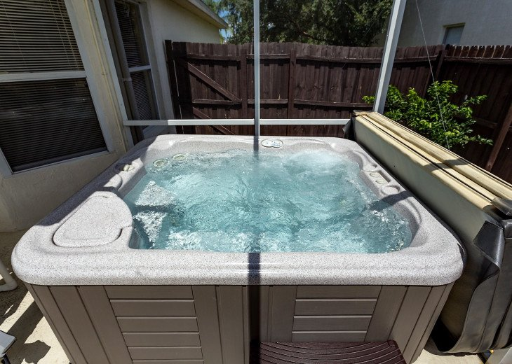 Affordable 4 Bedroom Southfacing Pool Vacation Home #38