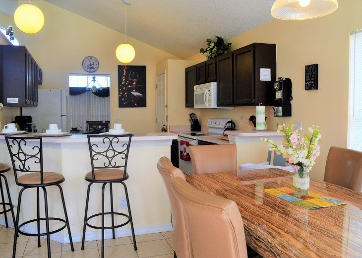 Affordable 4 Bedroom Southfacing Pool Vacation Home #11