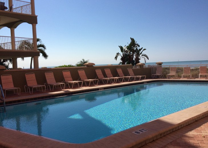 Retro-style Gulf Front Condo - Available August 31 SPECIAL- CONTACT ME #17
