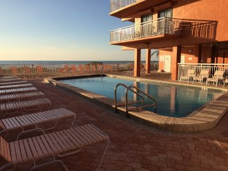 Retro-style Gulf Front Condo - Available August 31 SPECIAL- CONTACT ME #1