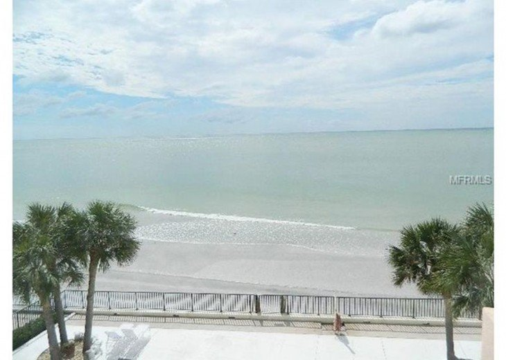 Great beach front Penthouse with an expansive panoramic gulf views #1