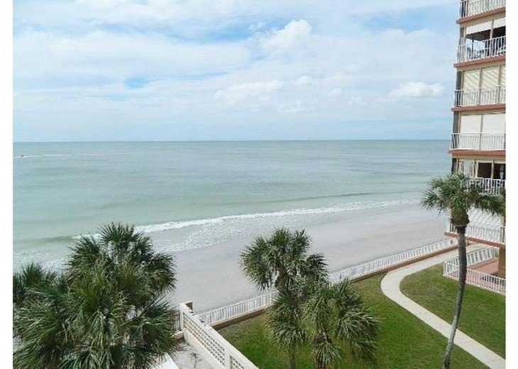 Great beach front Penthouse with an expansive panoramic gulf views #5