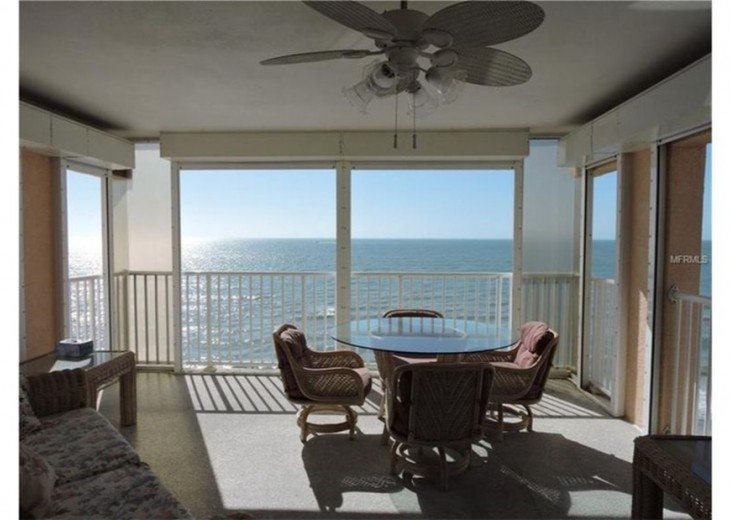 Great beach front Penthouse with an expansive panoramic gulf views #13