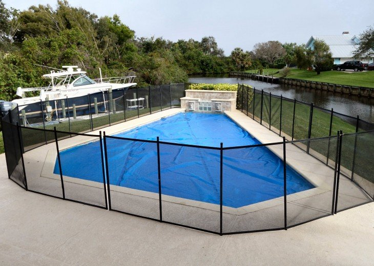 Safety fence and solar cover for pool