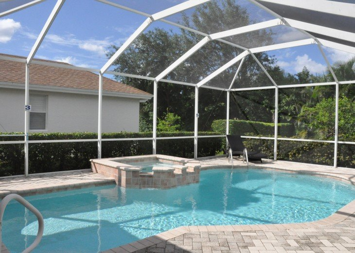 Beautifully furnished 4 bedroom house with heated pool and jacuzzi #4