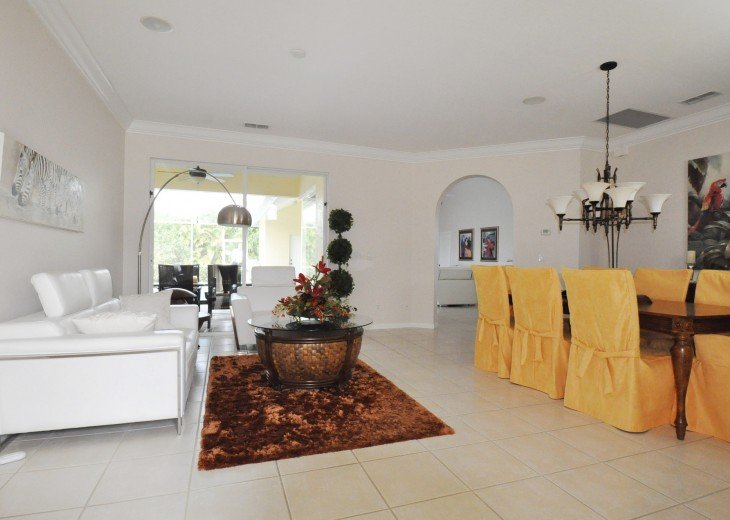 Beautifully furnished 4 bedroom house with heated pool and jacuzzi #7
