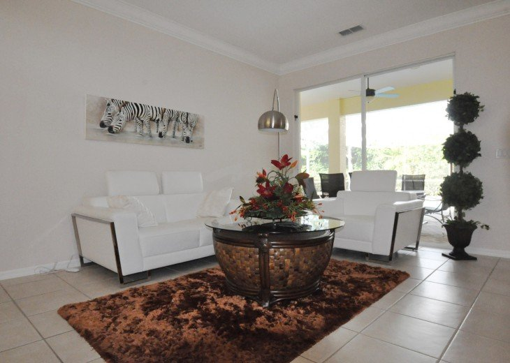 Beautifully furnished 4 bedroom house with heated pool and jacuzzi #6