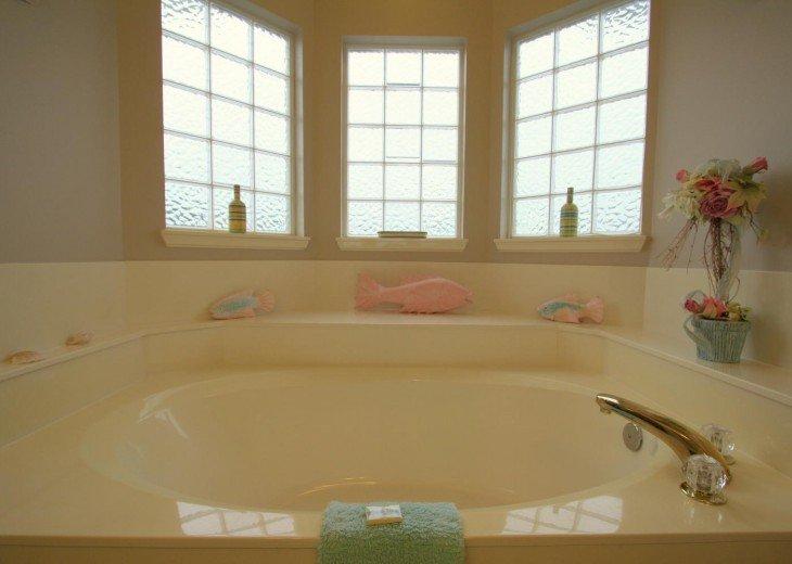 5 Bedroom,5.5 Bath, Private Pool, Carriage House, Close to Beach, Sleeps 16 #10