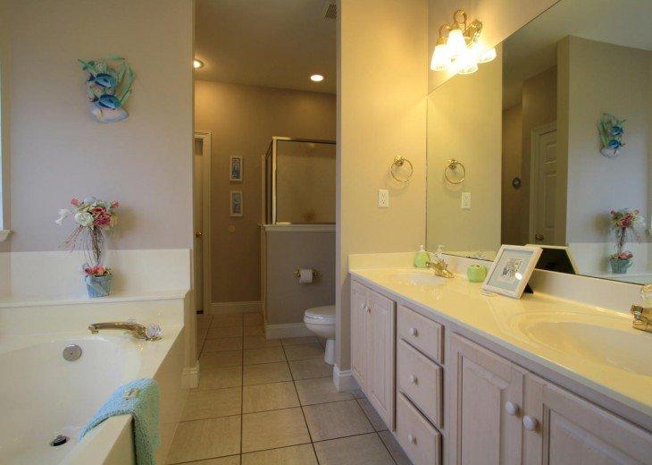 5 Bedroom,5.5 Bath, Private Pool, Carriage House, Close to Beach, Sleeps 16 #9