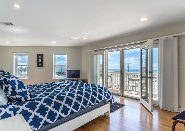 Master Bedroom With Gulf Views & Private Balcony