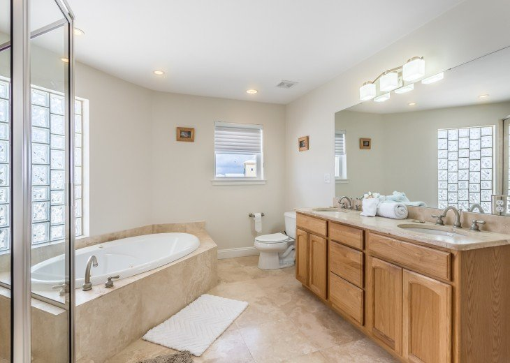 Master Bathroom With Walk-in Shower & Jetted Tub