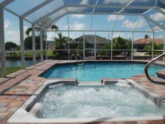 Pool / Jacuzzi (pool not heated).