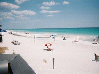 Sugar white sand,huge beach, 85 degree crystal clear water