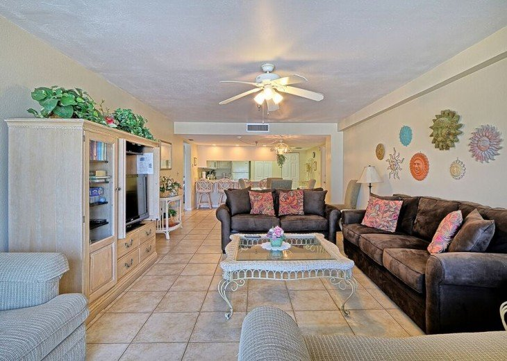 2 Bedroom Luxury Beachfront Condo in Madeira Beach #5