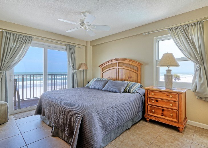 2 Bedroom Luxury Beachfront Condo in Madeira Beach #15