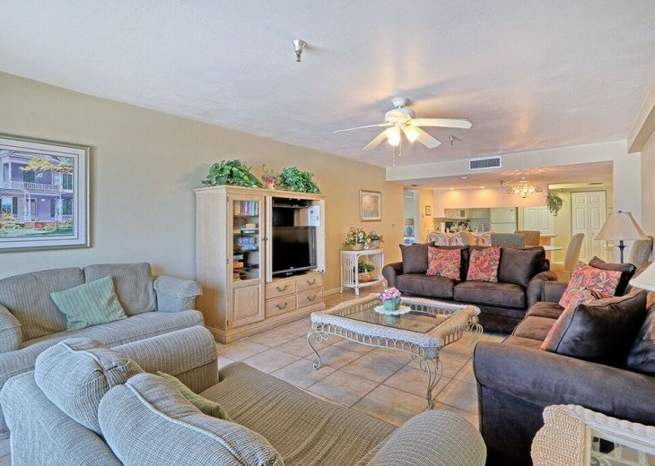 2 Bedroom Luxury Beachfront Condo in Madeira Beach #6