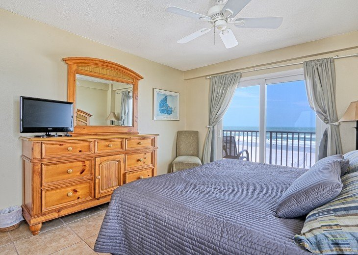 2 Bedroom Luxury Beachfront Condo in Madeira Beach #19
