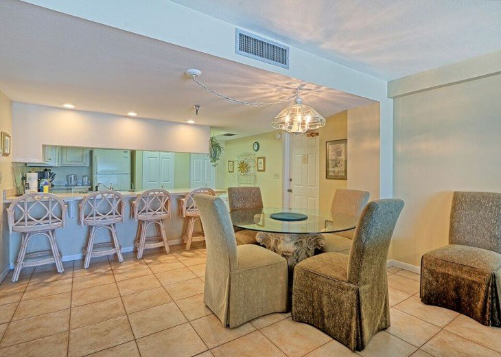 2 Bedroom Luxury Beachfront Condo in Madeira Beach #4