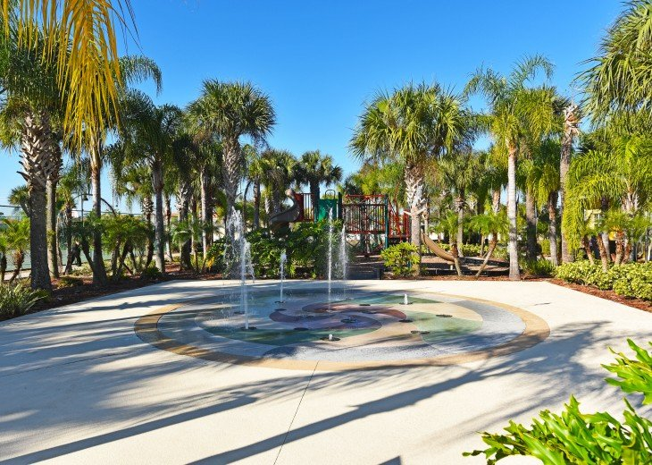 Top-ranked, Closest Resort (1.5 Miles) to Disney. Huge 3-Bedroom Lake View Villa #22