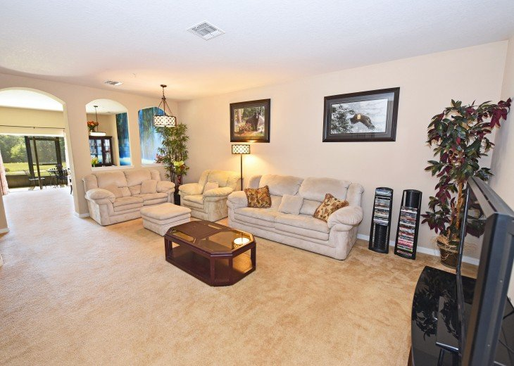 Top-ranked, Closest Resort (1.5 Miles) to Disney. Huge 3-Bedroom Lake View Villa #5
