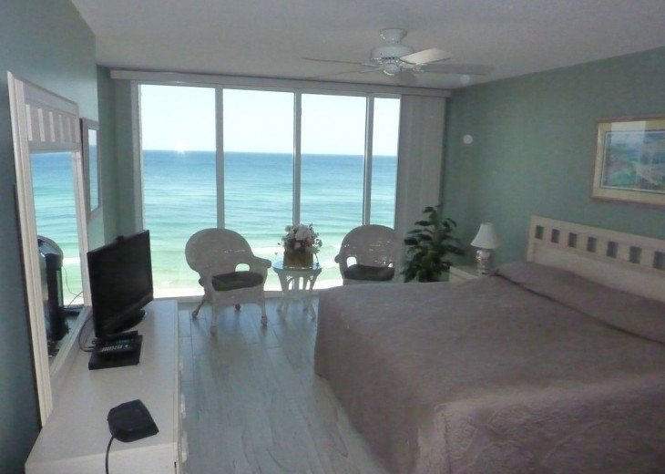 3rd Bedroom and Master bedroom with walk in closet on the Gulf of Mexico