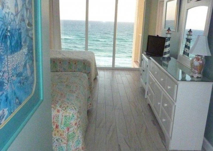 2nd Front Bedroom over the Beach and Gulf
