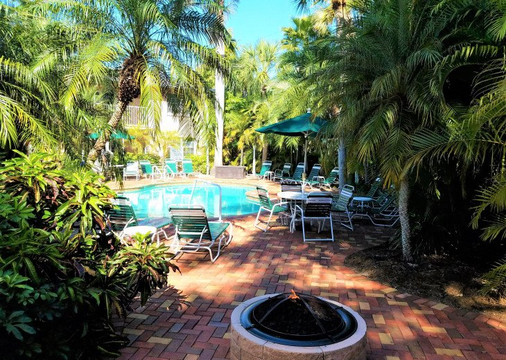 Carefree Sunny Fun! 1 Br Siesta Palms by the Beach #2A #13