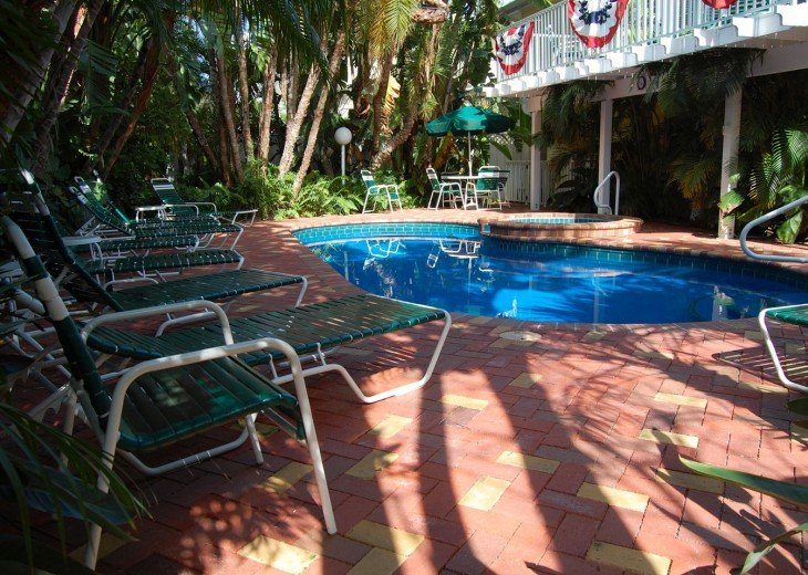 Enchanting! Siesta Key Inn #126 #14