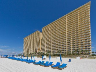 5* RATED! WEST TOWER CORNER 3BDRM / 3BA STUNNING VIEWS + BEACH SVC FOR 4 GUESTS! #1