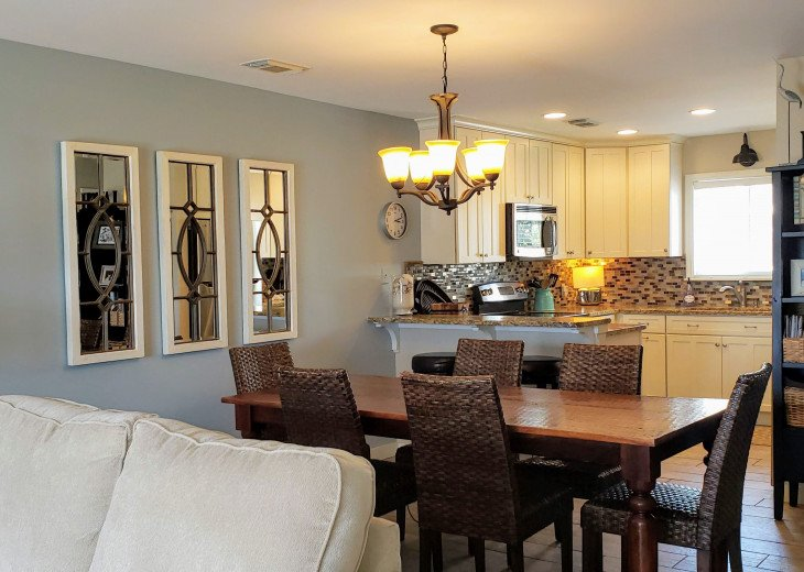 Main level with fully stocked kitchen and large kitchen table