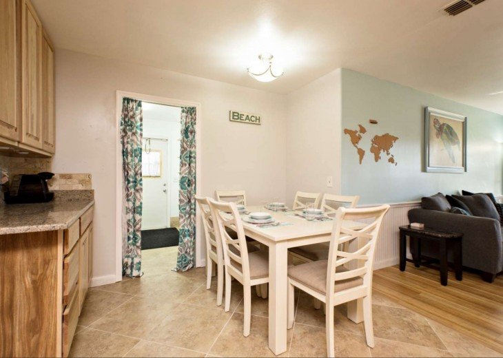 Dinning room, access to mud room, laundry room