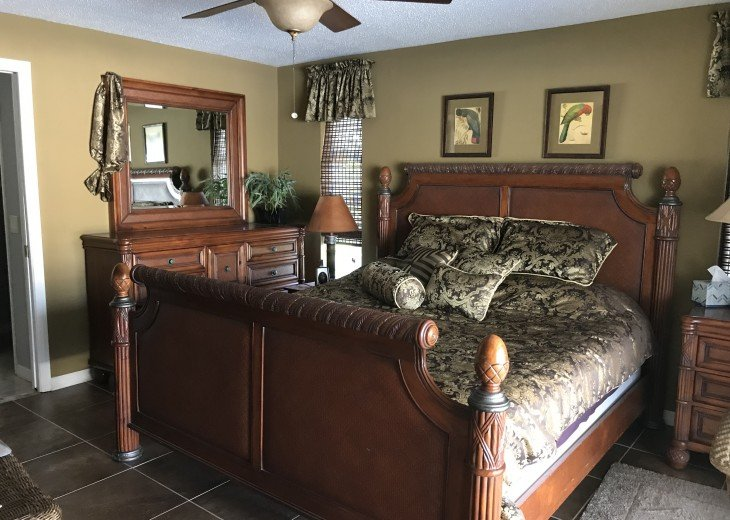 Master Bedroom King Size Bed
