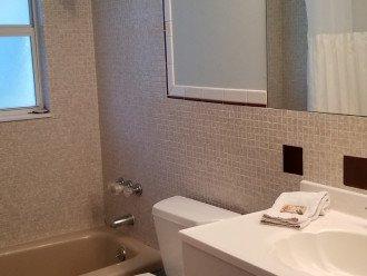 Bathroom 3 view.