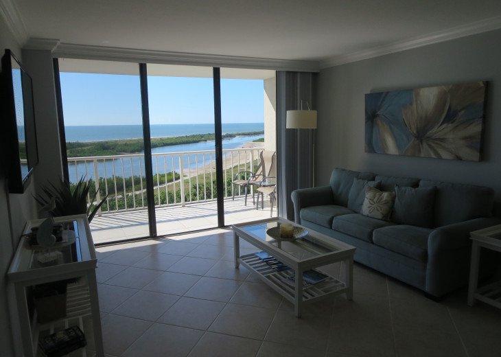 Beautiful views through 10' wide x 8' high sliding door. Clean fresh interior!